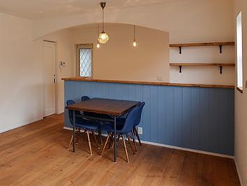 キッチン腰壁板張り