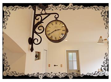 アイアンの壁掛け時計