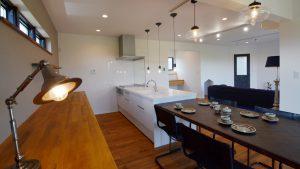 インダストリアルデザインとかわいいが融合したお家 リビング3