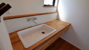 インダストリアルデザインとかわいいが融合したお家 造作洗面台2