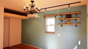 漆喰塗り壁が可愛い新築住宅の内観1