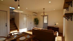 漆喰塗り壁が可愛い新築住宅の内観5