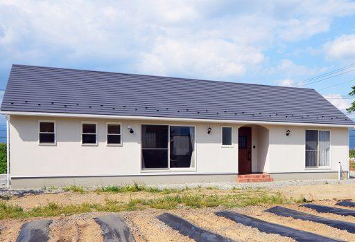 米軍ハウスに可愛いをミックスしたフラットはうすの平屋のお家