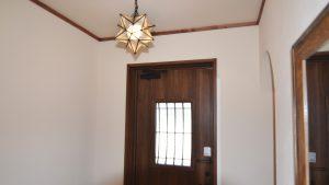 かわいい星型照明の玄関